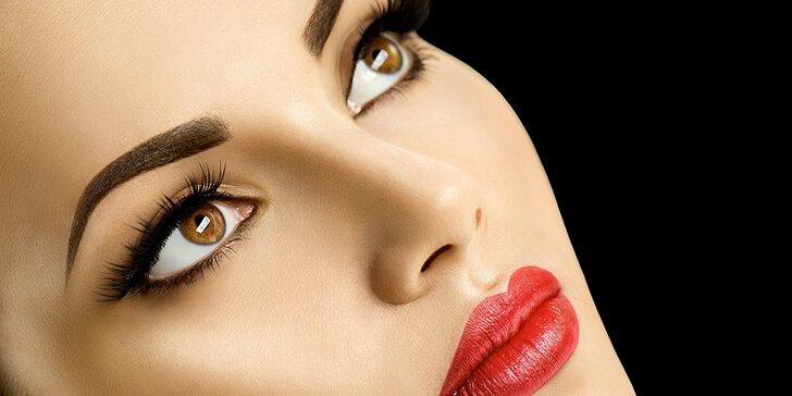 Permanentní make-up horních nebo dolních očních linek