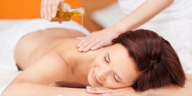 Odpočiňte si při nahřívací olejové masáži zad a šíje