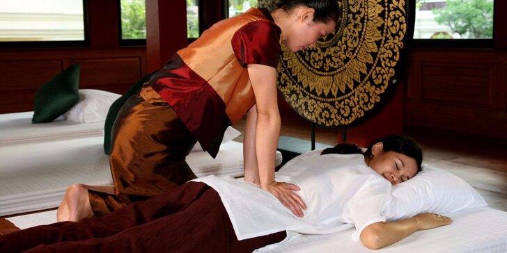 100 minut voňavého hýčkání – masáž, aromatická lázeň i drinky