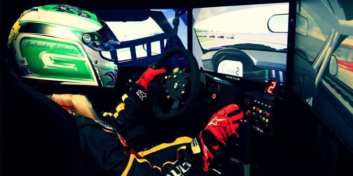 Chopte se volantu a podmaňte si závodní okruh na simulátoru Race Club