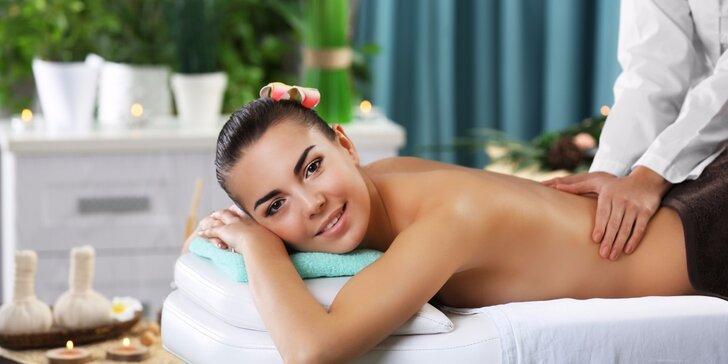 Hřejivá relaxační masáž horkými lávovými kameny a aroma oleji