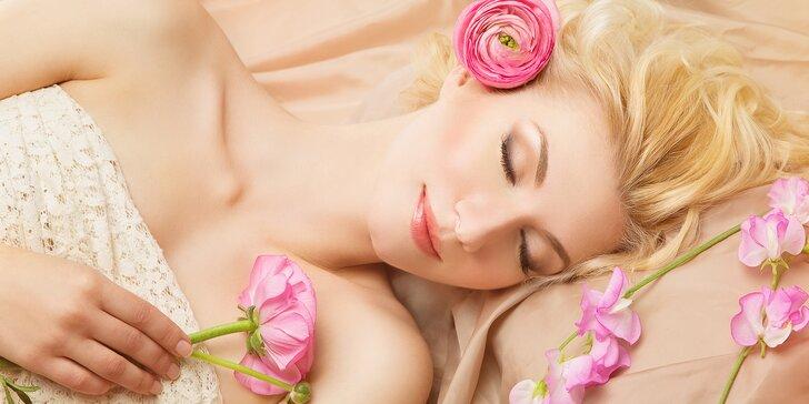 2 hodiny hýčkání: medová masáž zad se zábalem, zeštíhlující zábal a pleťová maska