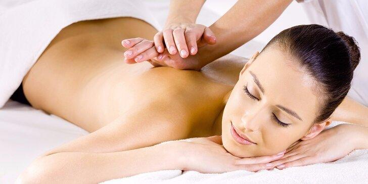 60minutová masáž zad a nohou zezadu v centru Plzně