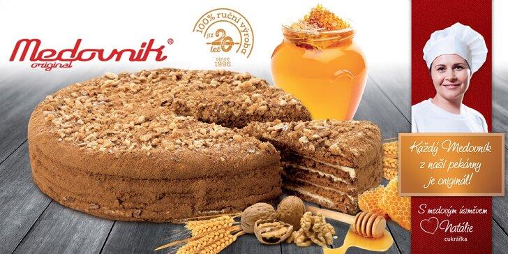 Proslulý dort Medovník original: Pochutnejte si na 1600 gramech božské dobroty