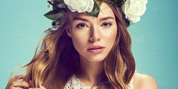 Dokonalá péče o obličej i dekolt: Čištění ultrazvukovou špachtlí
