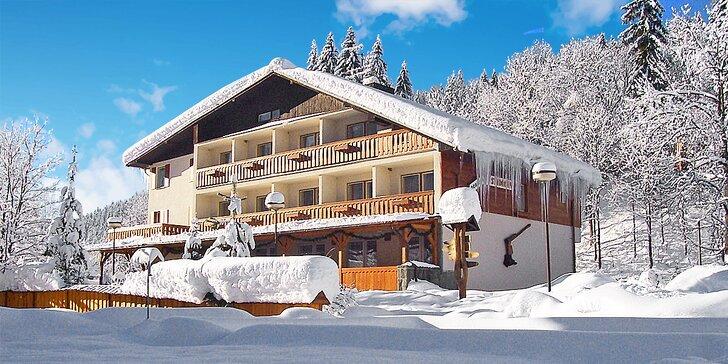 Relaxační pobyt i lyžování v Beskydech: Polopenze, neomezené wellness i masáže