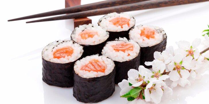 Kacumo set: 32 kousků sushi s sebou včetně omáčky, zázvoru a hůlek