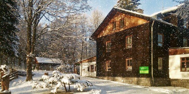 3-4 dny plné turistiky a lyžování: Odpočinkový pobyt s polopenzí v Jeseníkách