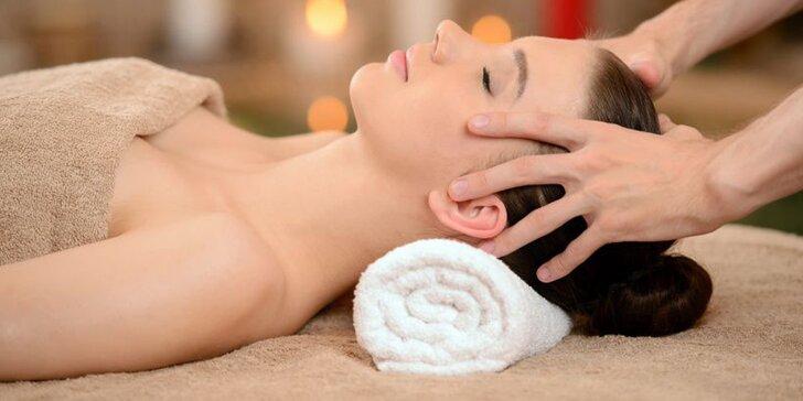 Vyčistěte si hlavu: Indická masáž hlavy nebo lymfatická masáž obličeje