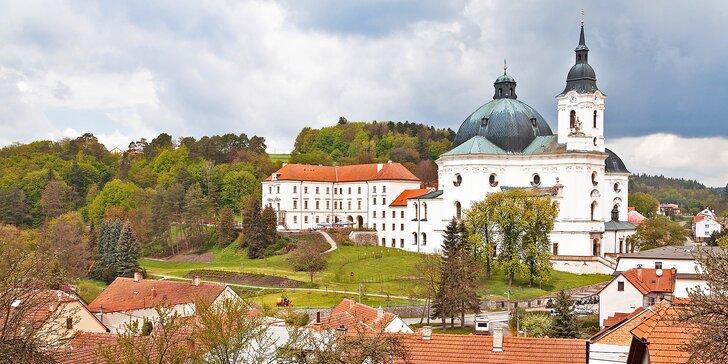 Romantický pobyt na barokním zámku Křtiny uprostřed Moravského krasu