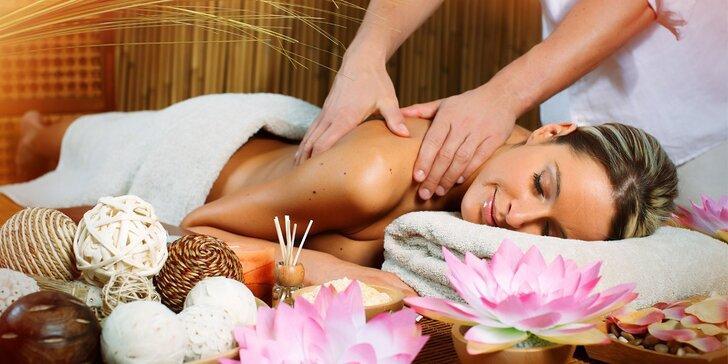 90 minutové hýčkání - výběr ze 3 druhů thajských masáží a aroma lázeň