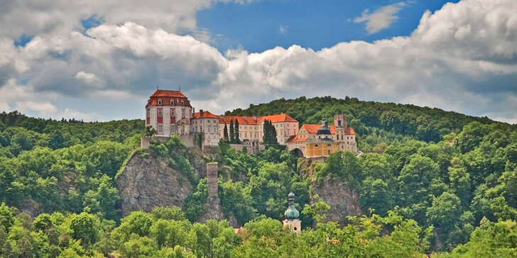Třídenní pobyt pro dva s polopenzí i konzumací vín ve Vranově nad Dyjí