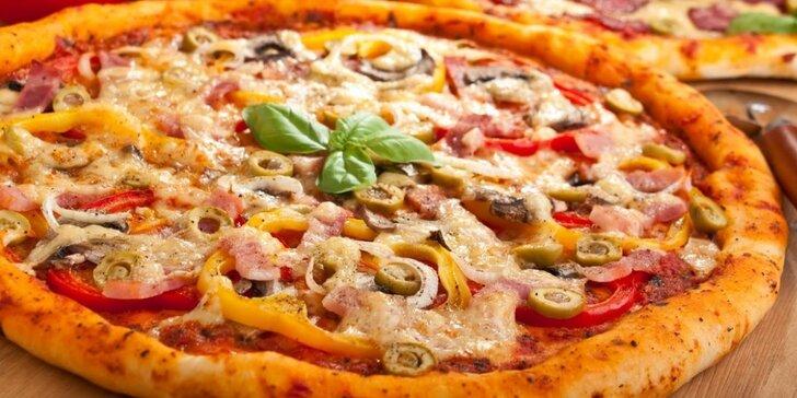 Pochutnejte si na dvou perfektních pizzách dle vlastního výběru