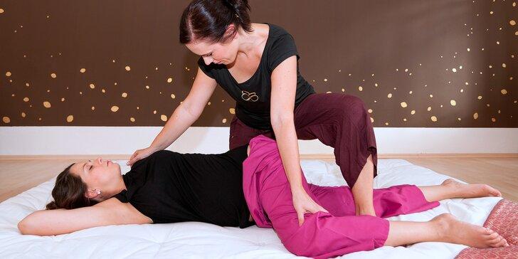 Bezbolestná uvolňující thajská masáž v Brně: Vyzkoušejte jógu pro líné