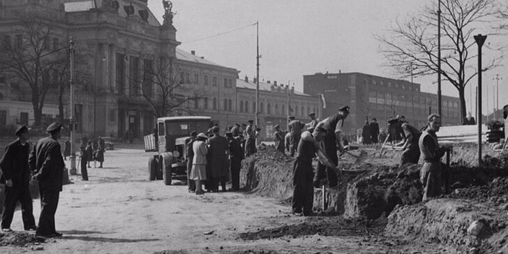 Nacistická a stalinistická historie Brna: Komentovaná vycházka + kryt 10-Z