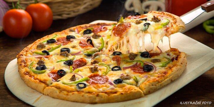 Křup, křup: Dvě lahodné pizzy dle výběru ve stylové minigolfové kavárně