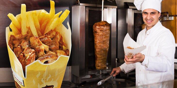 Svačina z grilu: Telecí či kuřecí kebab s hranolky, salátem a dresinkem