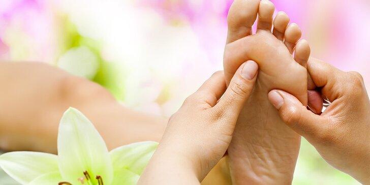 80minutový relax: Uvolněte se u reflexní masáže chodidel a balneoterapie