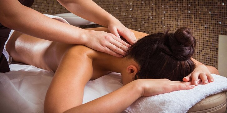 60minutová relaxační celotělová masáž se zábalem láv.kameny