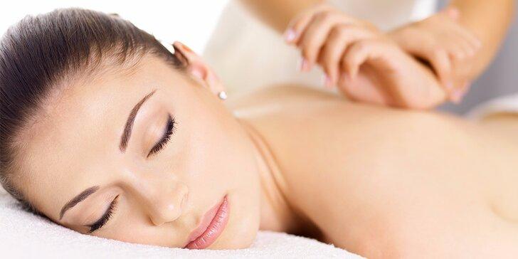 Hodinová uvolňují masáž zad a šíje pro zdraví i potěšení