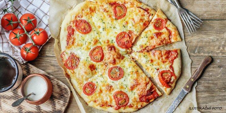 Dvě pizzy dle výběru z jídelního lístku s rozvozem po Brně