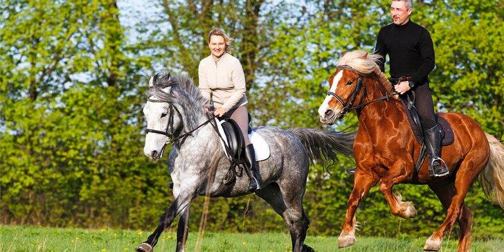 Romantická vyjížďka na koních, zážitek pro celou rodinu nebo 5 lekcí