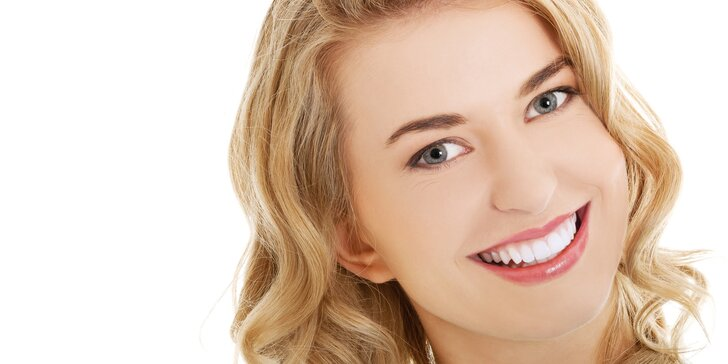 Bezperoxidové odstranění zabarvení zubů pro zářivý úsměv