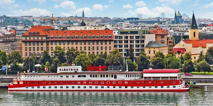 3 všední dny na vlnách Vltavy v srdci Prahy se snídaní a romantickou večeří