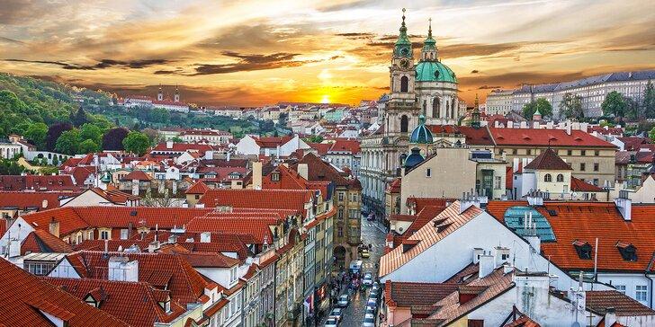 Za památkami, adventními trhy a nákupy do stověžaté matičky Prahy
