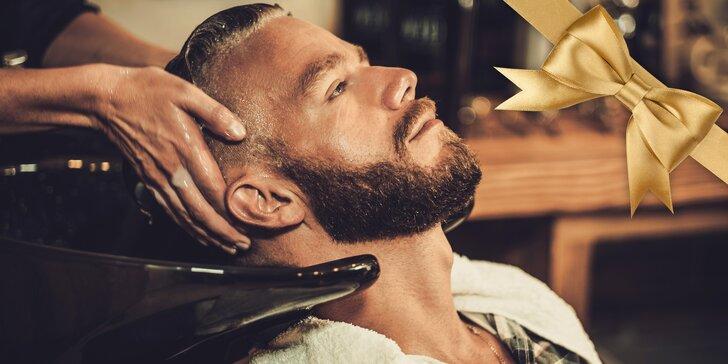 Udělejte z něj dárkem elegána: Služby kadeřníka a holiče s možností whisky