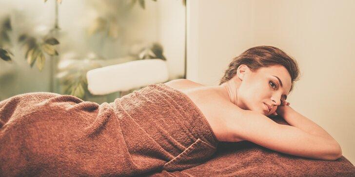 Masážní balíček nejen pro ženy: 105 minut hýčkání včetně bahenního zábalu