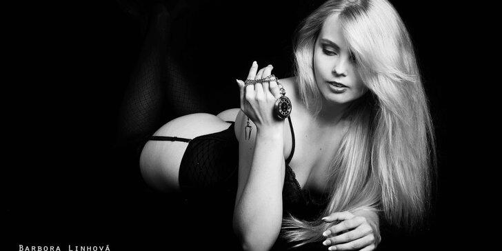 Akty, glamour nebo erotické focení s profi fotografkou včetně make-upu