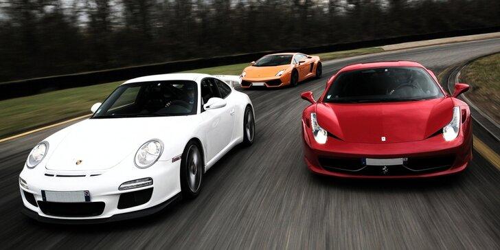 Jízda na okruhu ve Ferrari či závodním Mitsubishi