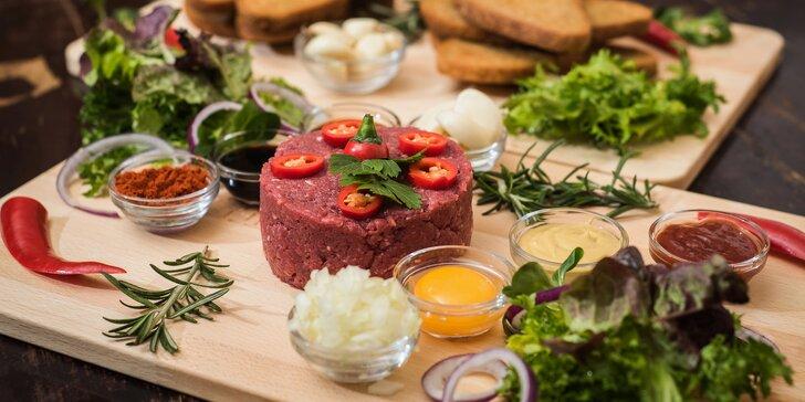 500 g ručně škrábaného masíčka: Tataráky z hovězí svíčkové, lososa nebo obojí
