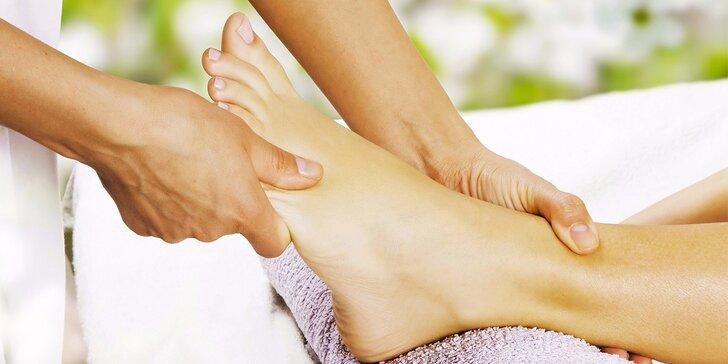 Uvolněte se u reflexní masáže chodidel s balneoterapií a parafínem