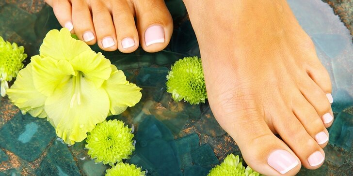 Dokonalý balíček balneoterapie a pedikúry pro ošetření unavených nohou