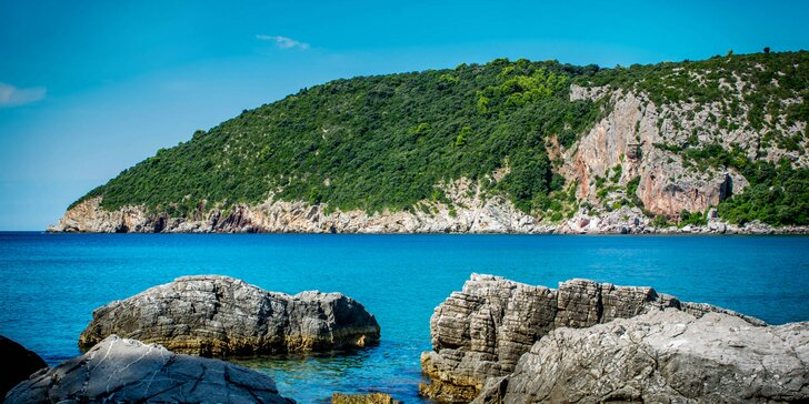 Pobyt u moře v Černé Hoře: 8 dní s polopenzí na plážích letoviska Čanj