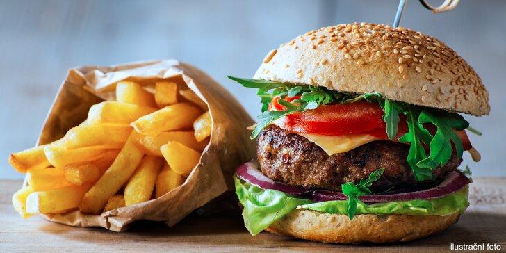 Bašta v Husitské baště: Poctivý burger s domácími hranolky a tatarkou