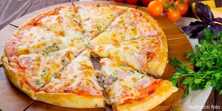 Italská pizza dle vlastního výběru: s rajčatovým i smetanovým základem