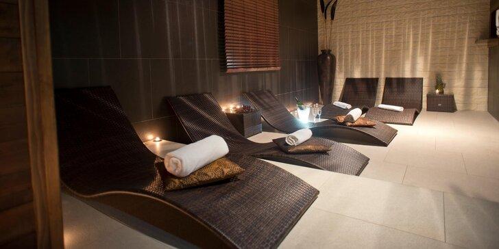 Privátní wellness pro 2 osoby: 1,5 hodiny lenošení ve whirlpoolu a sauně
