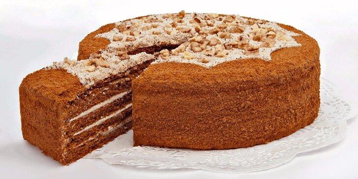 1600g lahodný medový dort pro sladší den celé rodiny