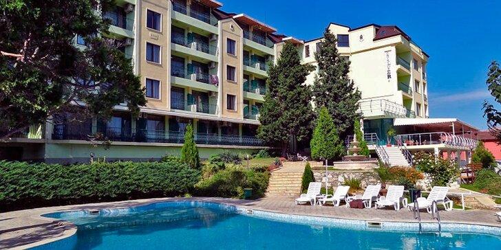 Zlaté Písky s all inclusive: 7 nocí v hotelu s bazénem vč. autobusové dopravy