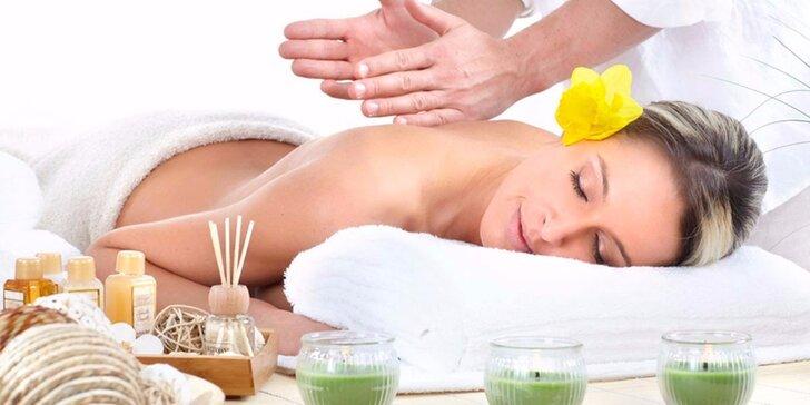 Voňavá aromaterapeutická masáž pro ženy se zábalem dle výběru