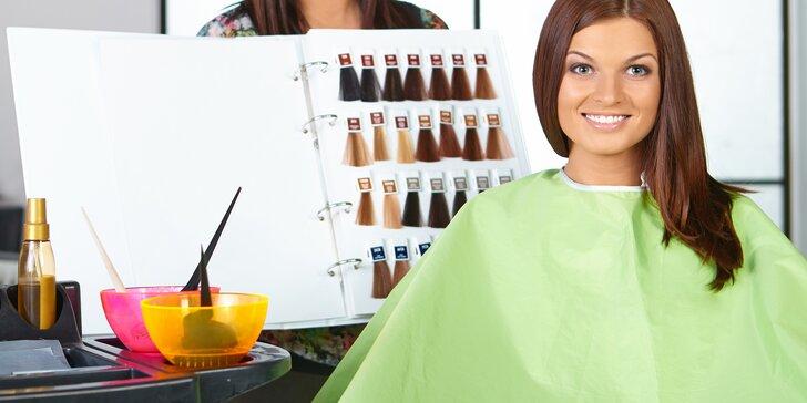 Svěží jarní proměna: nový střih a barva nebo melír pro vaše vlasy