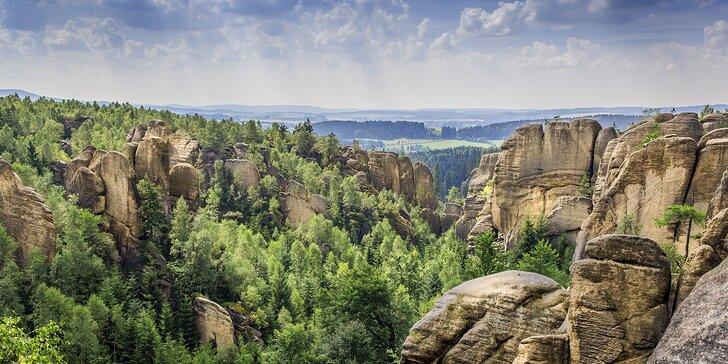 Jaro nebo babí léto poblíž Adršpachu: 3 až 8 dní v chatce a polopenze pro dva
