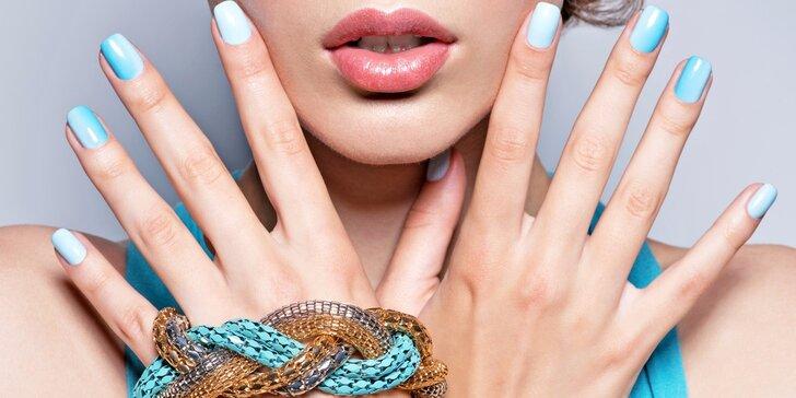 Manikúra s gel-lakem s krátkou masáží rukou