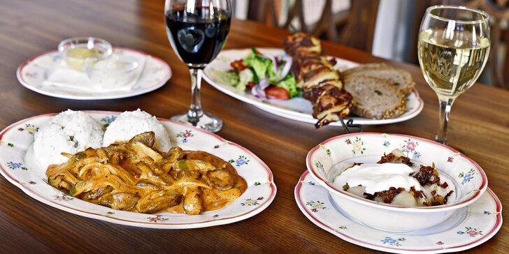 Labužníci, zamiřte na Břevnov: Dvouchodové ruské menu a lahev vína pro dva