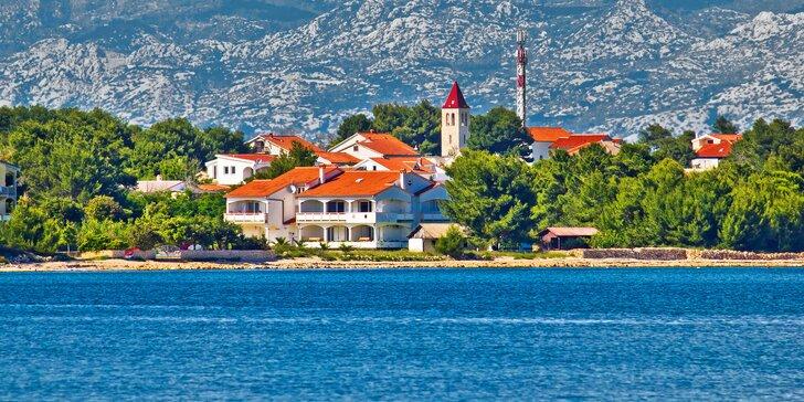 8 dní na chorvatském ostrově Vir – studia a apartmány s bazénem 50 m od moře