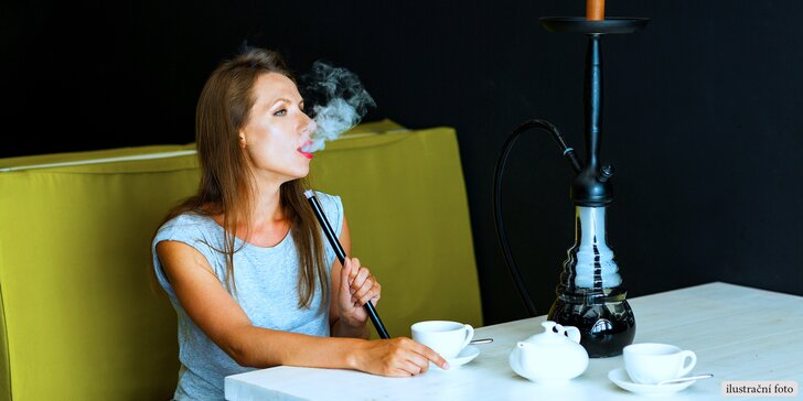 Orientální dýchánek: Vodní dýmka s tabákem dle výběru a dvě ovocné limonády