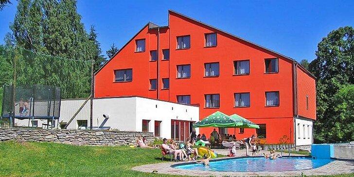 Turistika a relax pro dva v Hrubém Jeseníku: Polopenze i venkovní bazén